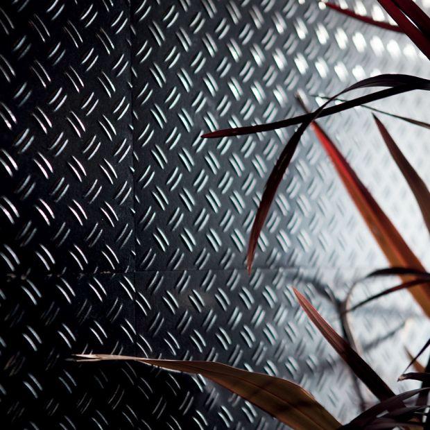 tile-dieselstage_iri-003-129-contemporary-black_inspiration.jpg
