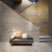 slab-maxfinemarmi_iri-004-558-contemporary-beige_grey_inspiration.jpg