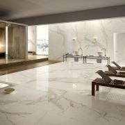 slab-maxfinemarmi_iri-007-784-contemporary-white_offwhite_inspiration.jpg