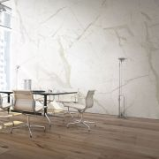 slab-maxfinemarmi_iri-015-784-contemporary-white_offwhite_inspiration.jpg