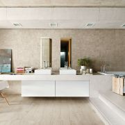 tile-alter_pro-004-661-contemporary-white_offwhite_inspiration.jpg