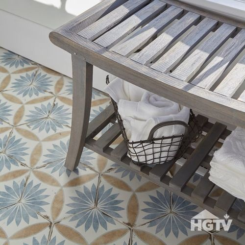 HGTV Canada -<br><b><i>Farmhouse Facelift</i></b> JEFF & CHRISTINE
